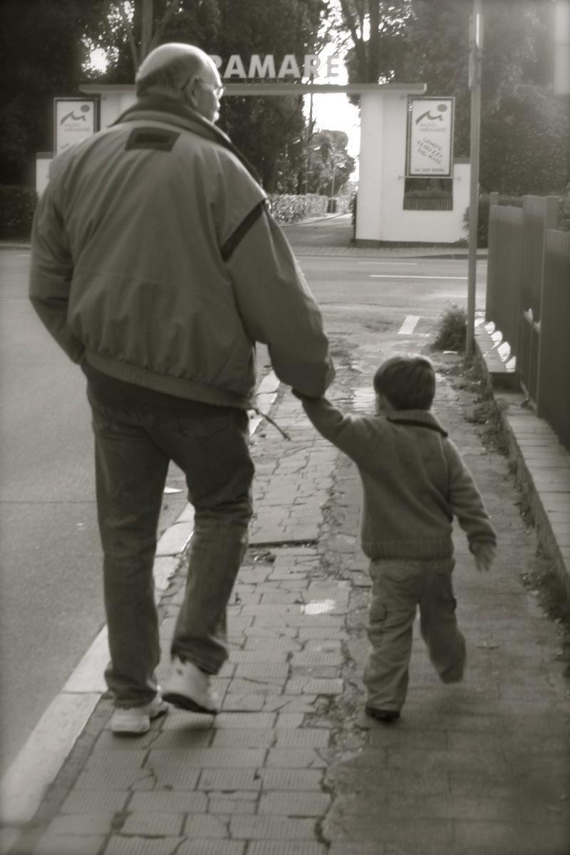 Little_boy_and_bumpa_3